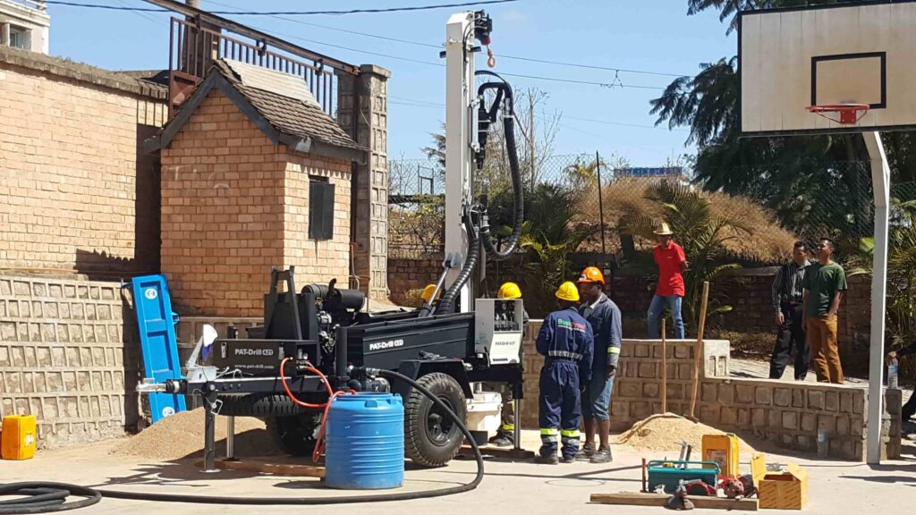 PAT 421 drilling machine
